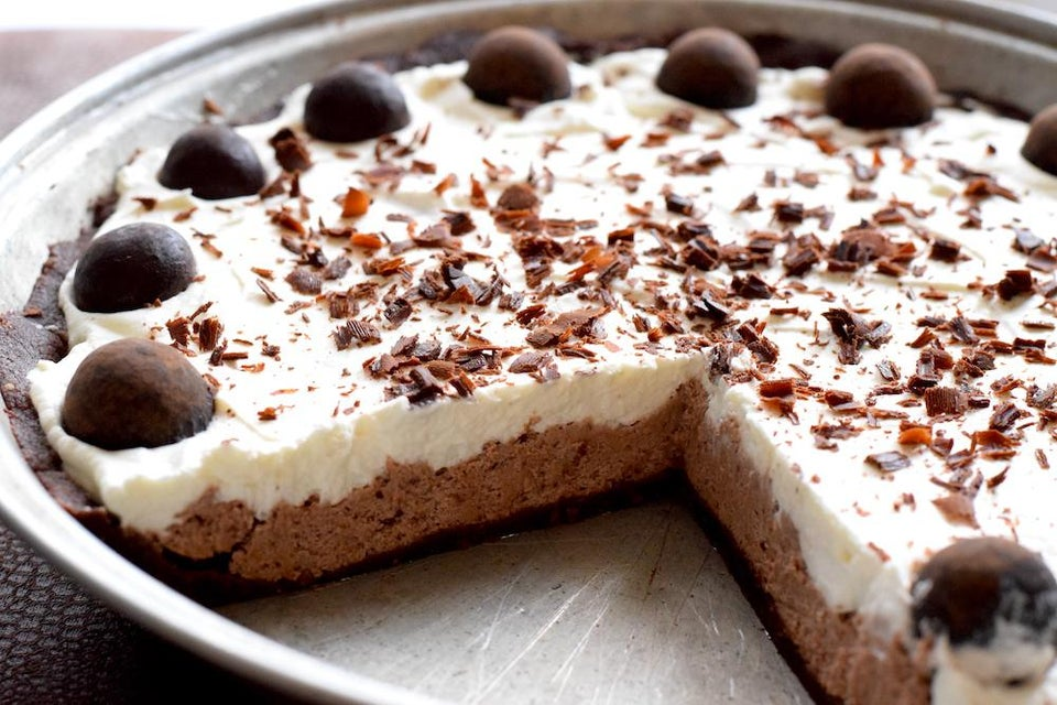 Keto No Bake Chocolate Hazelnut Pudding Pie